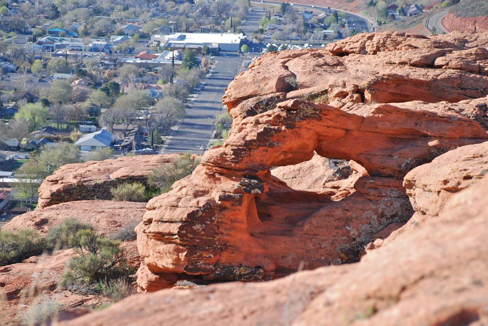 Arch on Owen's Loop hike in St George Utah